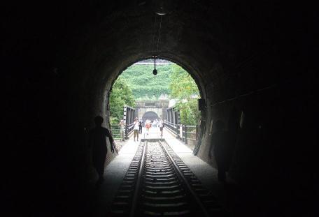 20100930_oohikage_tunnel3