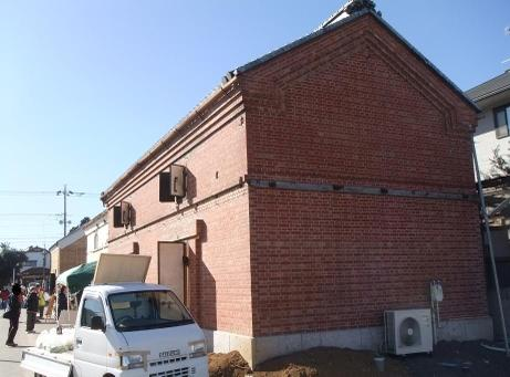 20110115_red_renga_hall2