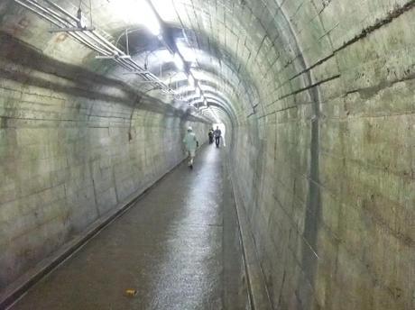 20110730_tunnel_mitake2