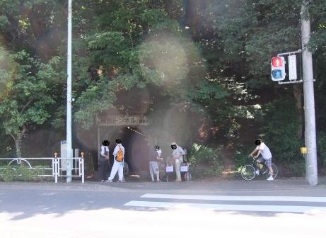 20110802_yokota_tunnel