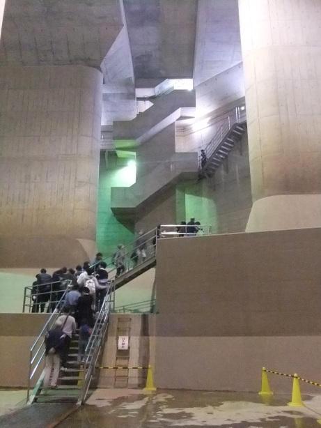 20111113_kaidan