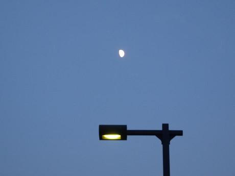 20120729_half_moon