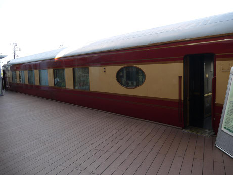 20121003_yumekukan_loungecar4