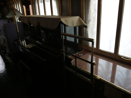 20121003_yumekukan_loungecar_piano